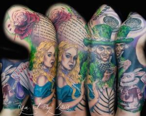 Alice in Wonderland Sleve